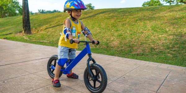 Rowerek biegowy – towarzysz każdego wiosennego spaceru!