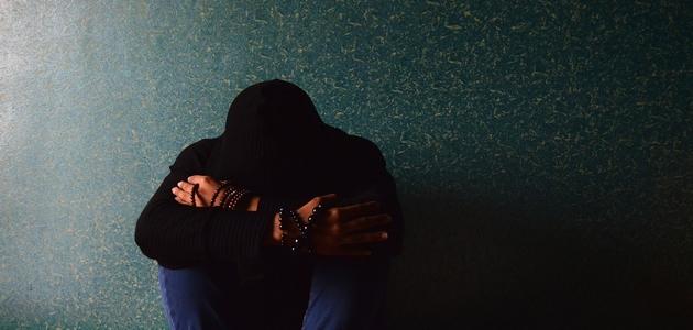 Uwaga! Nastolatek próbuje popełnić samobójstwo!