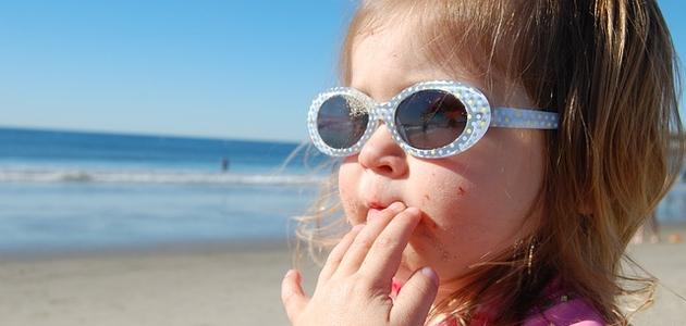 Jak chronić dziecięce oczy przed słońcem?