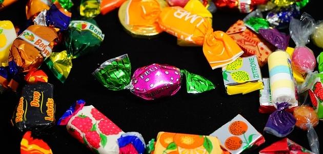 Mieć czy zjeść? Eksperyment z cukierkiem.