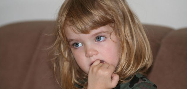 Obgryzanie paznokci - przyczyna i jak temu zaradzić