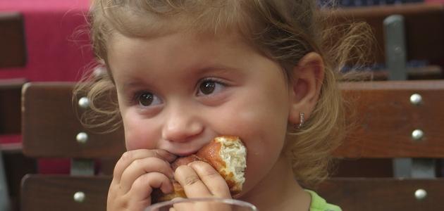Nie należy karmić dziecka na siłę