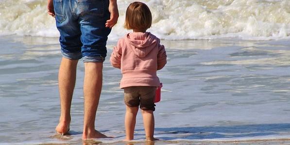Jak nauczyć dziecko ostrożności w stosunku do obcych?