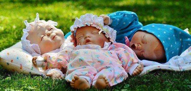 Dlaczego dziewczynki marzą o lalkach bobasach?